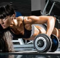Фитнес для девушки в тренажерном зале